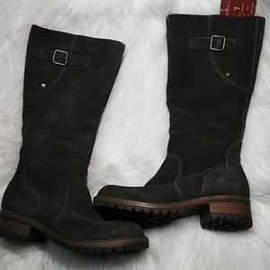 Suede lug soled boots size 7